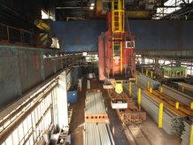 2 Prozess Krane in einem Eisenwerk